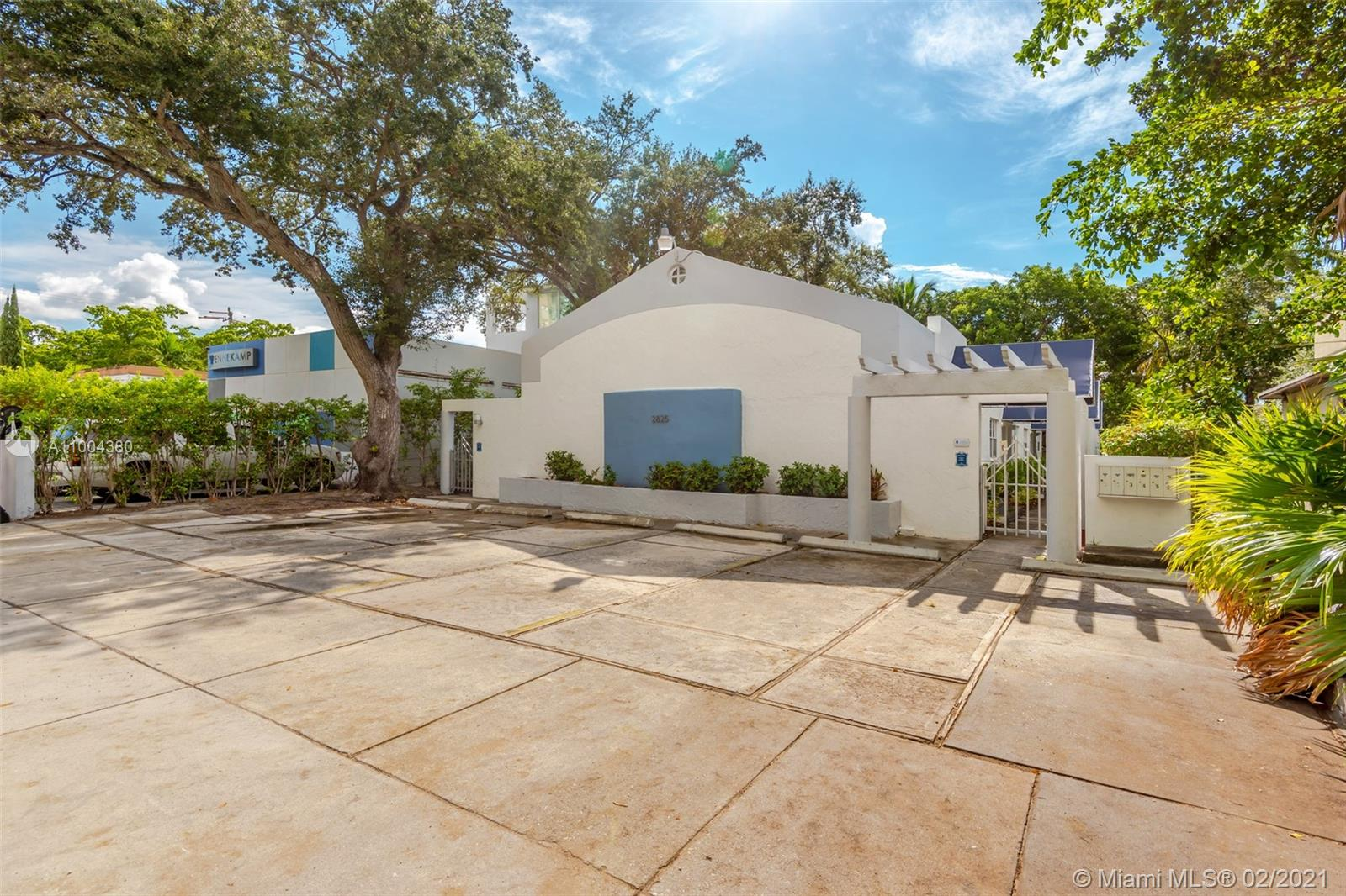 2825 SW 3rd Ave #5