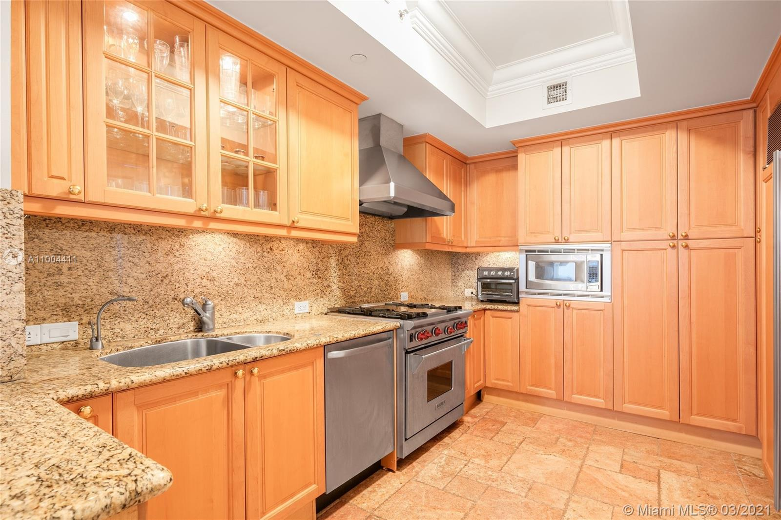 17875 Collins Ave #1005 photo07