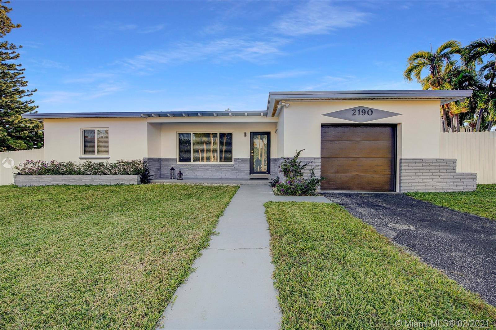 North Miami Beach - 2190 NE 169th St, North Miami Beach, FL 33162