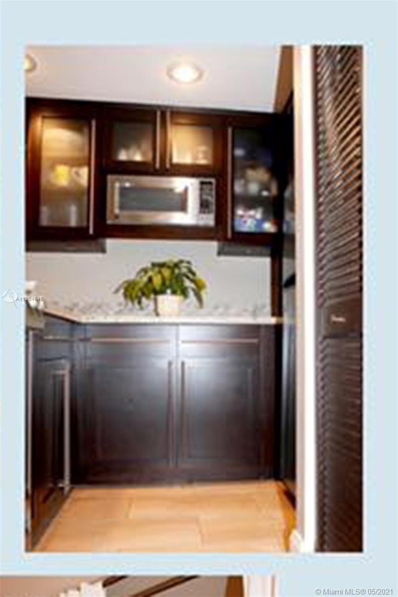 540 Brickell Key Dr #1124 photo05