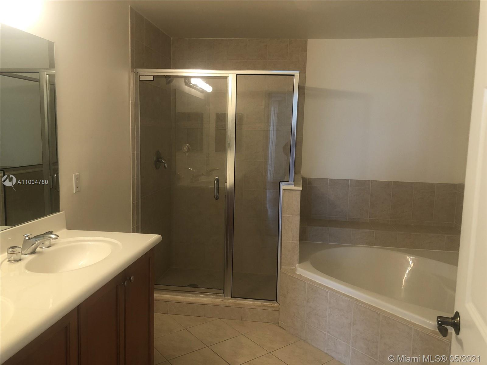 8390 SW 72nd Ave #705 photo017