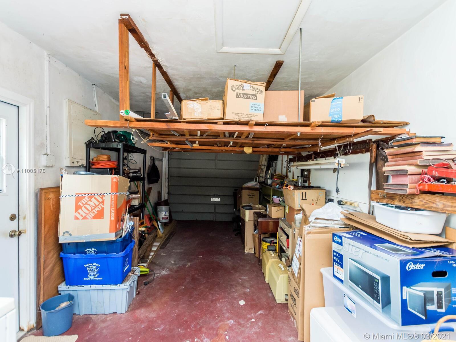 1120 N 75th Ave photo033