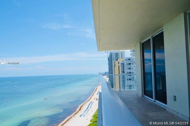 16699 Collins Ave #2402 photo02