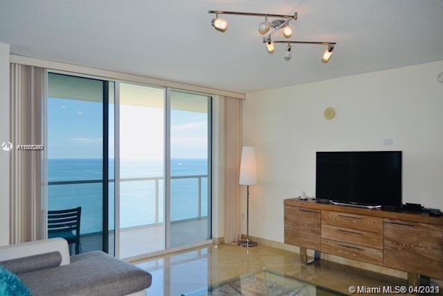 16699 Collins Ave #2402 photo04