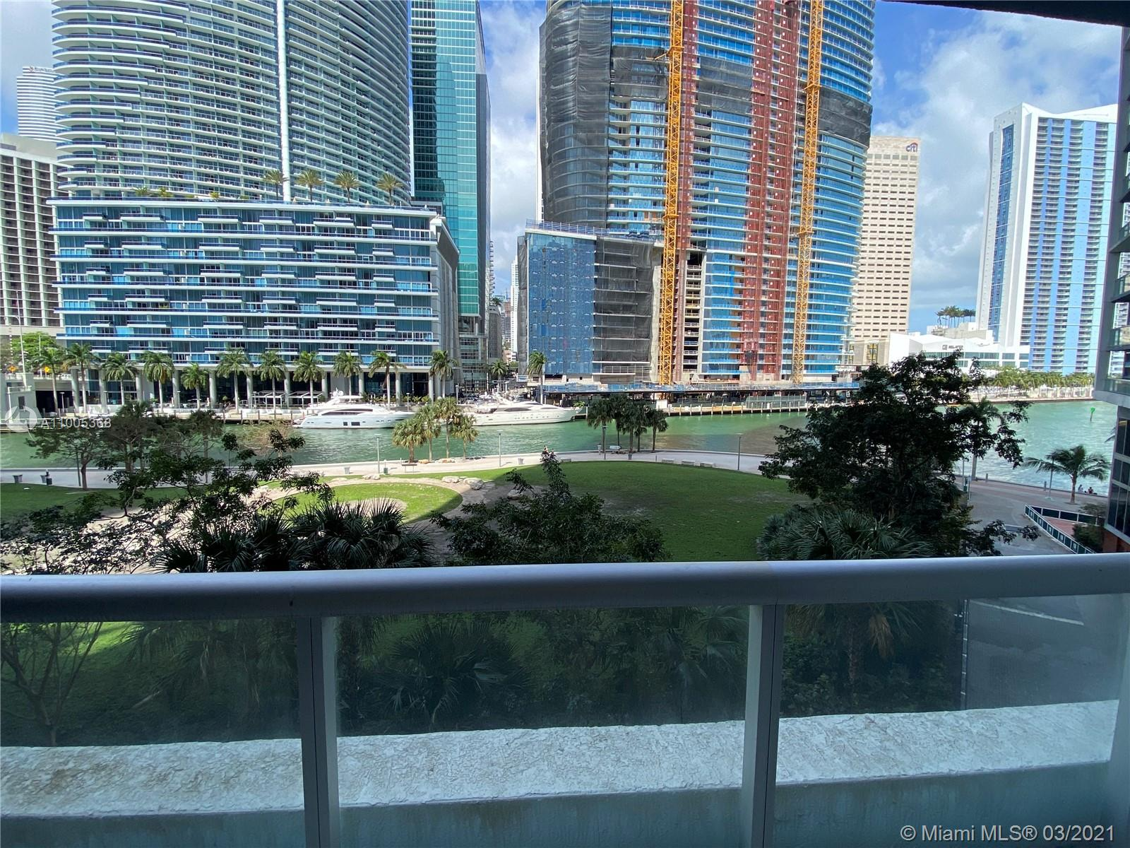 475 Brickell Ave #412 photo01