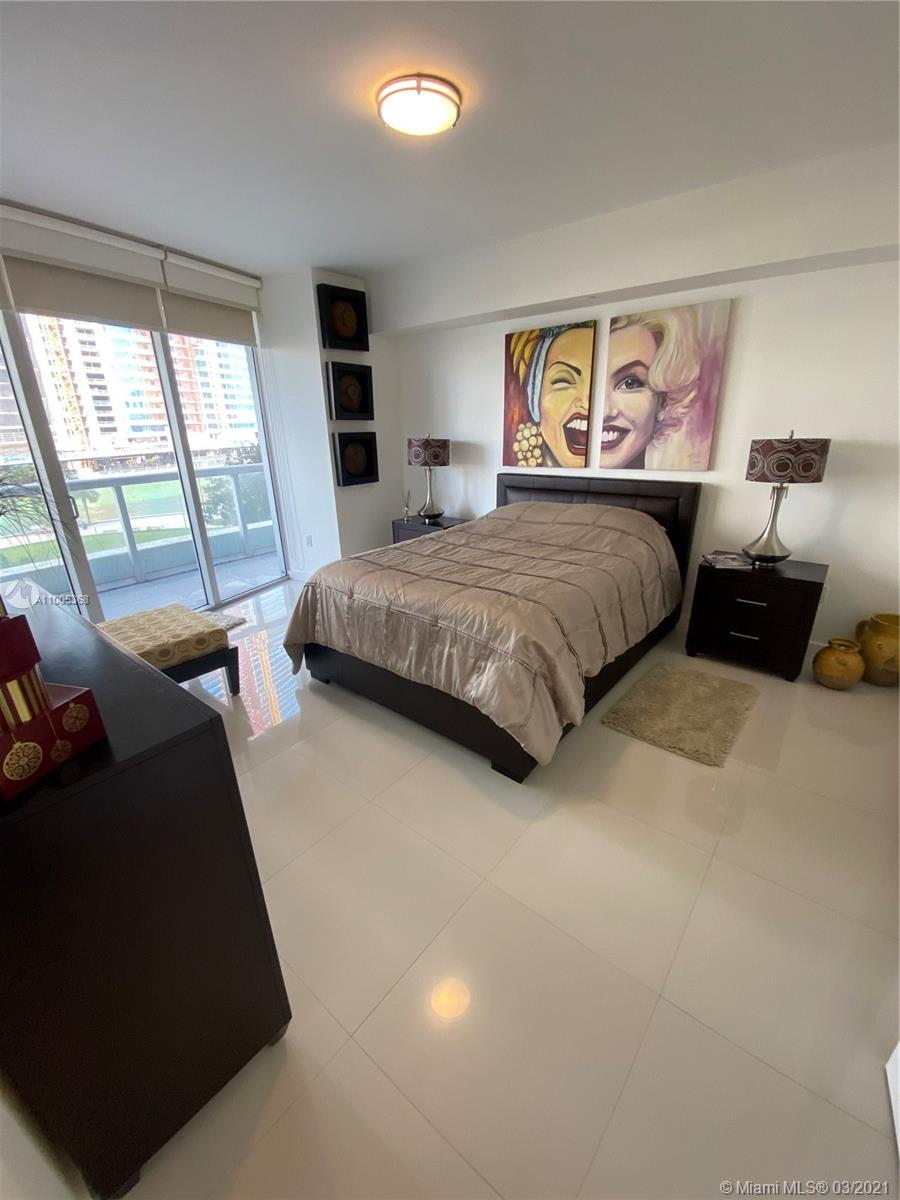 475 Brickell Ave #412 photo09