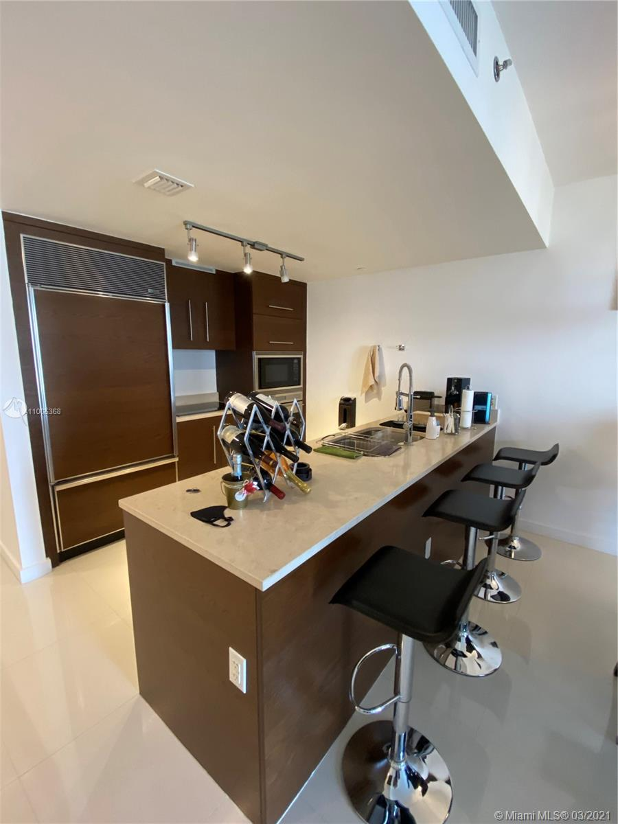 475 Brickell Ave #412 photo08