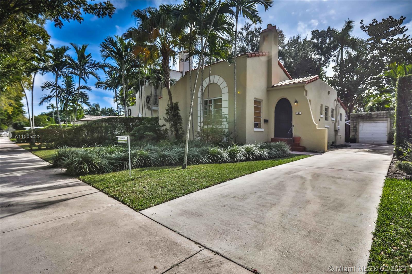South Miami - 532 San Lorenzo Ave, Coral Gables, FL 33146