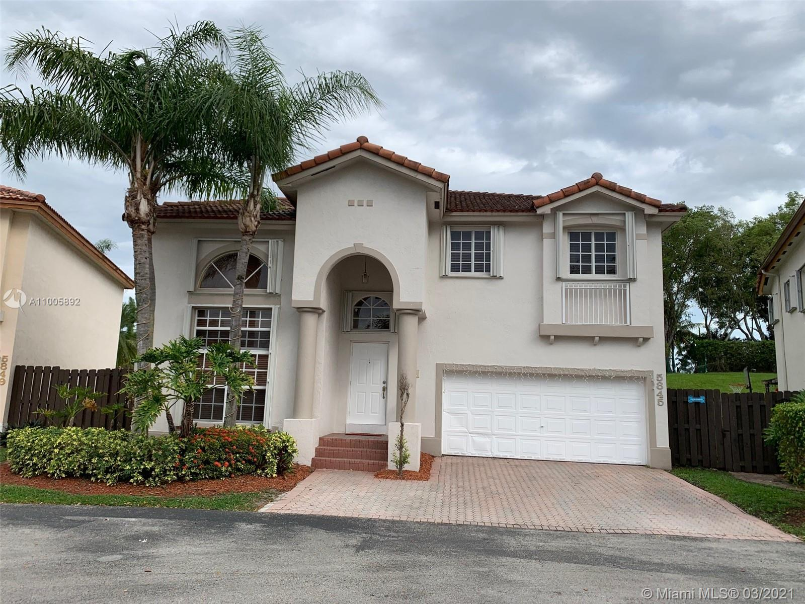 Doral Isles - 5845 NW 112 ct, Doral, FL 33178