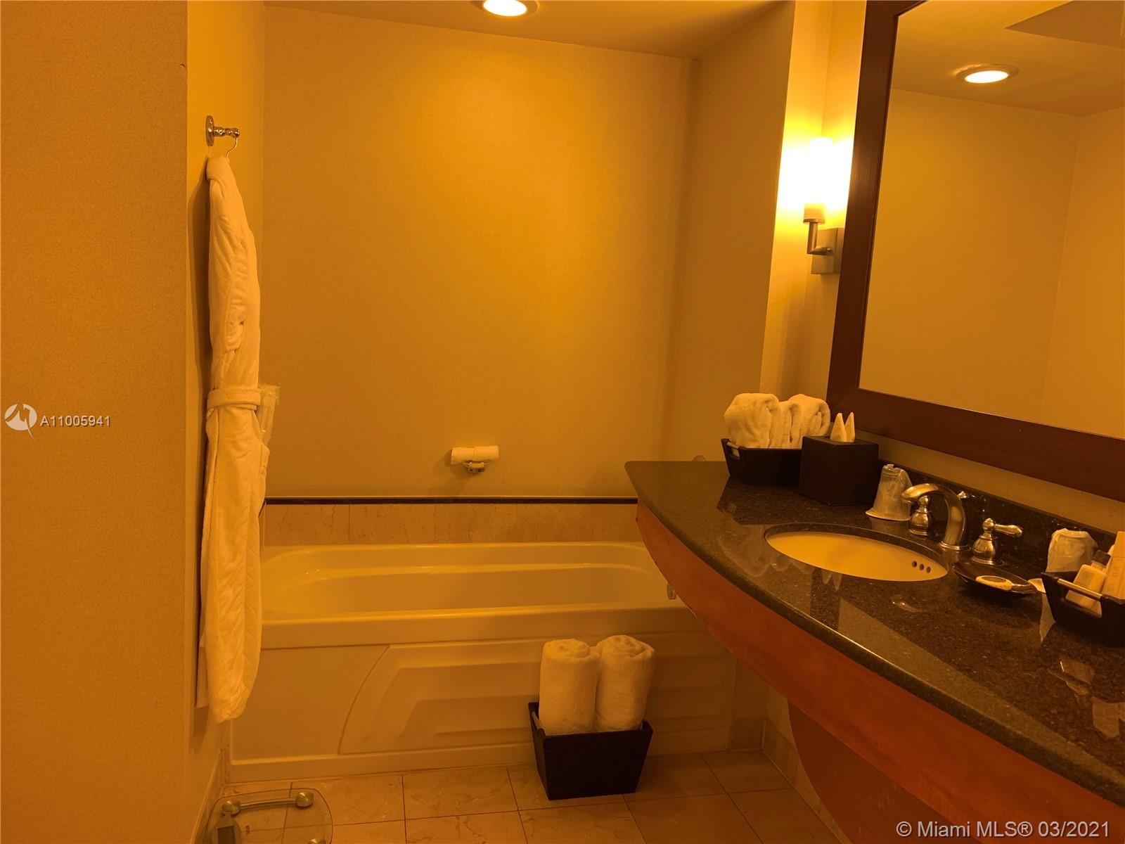 18001 Collins Ave #1518 photo013