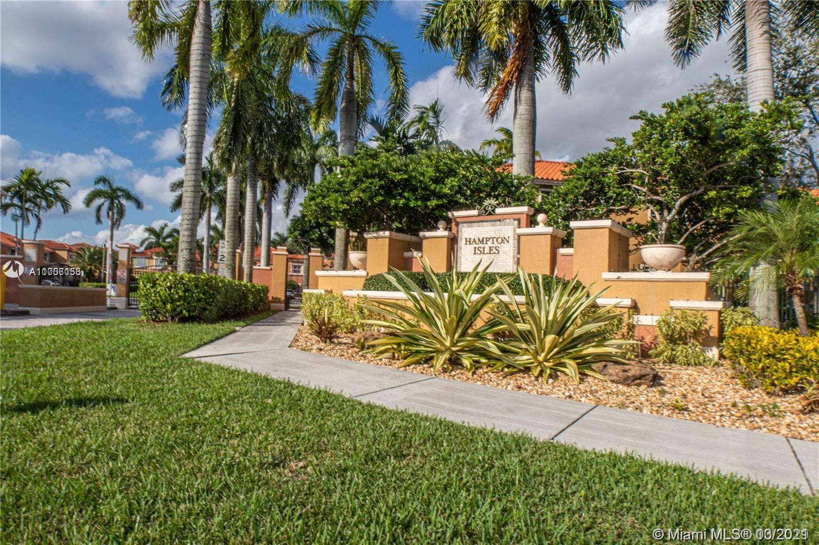 Home for sale in Hampton Isles Condo Pembroke Pines Florida