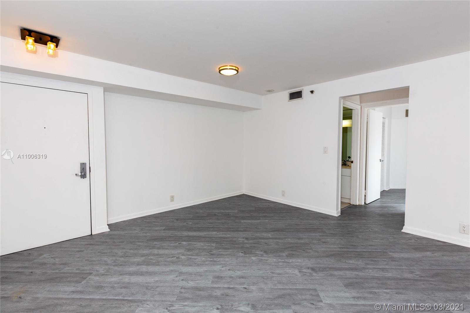 6767 Collins Ave #2108 photo08