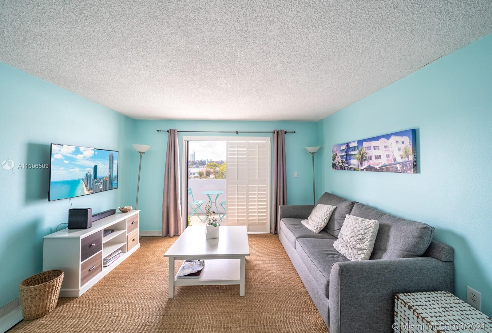 1418 Collins Ave #504