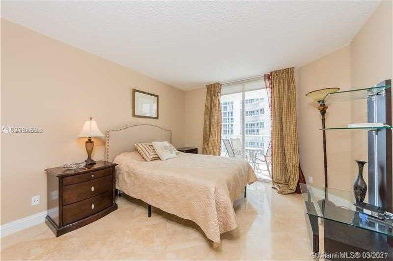 16485 Collins Ave #1738 photo07