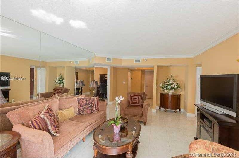 16485 Collins Ave #1738 photo010
