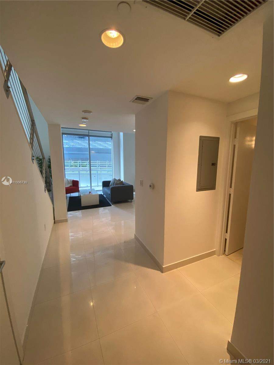 1060 Brickell East Tower #206 - 1050 Brickell Ave #206, Miami, FL 33131