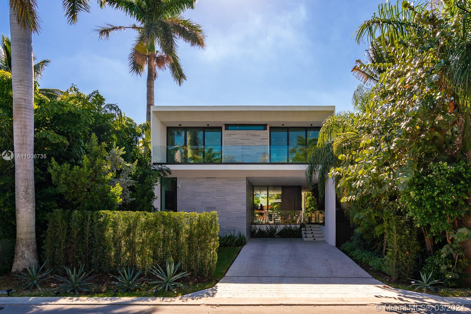 Palm Island - 272 Palm Ave, Miami Beach, FL 33139