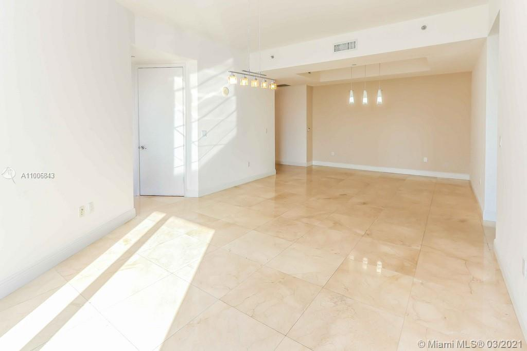 15901 Collins Ave #905 photo014