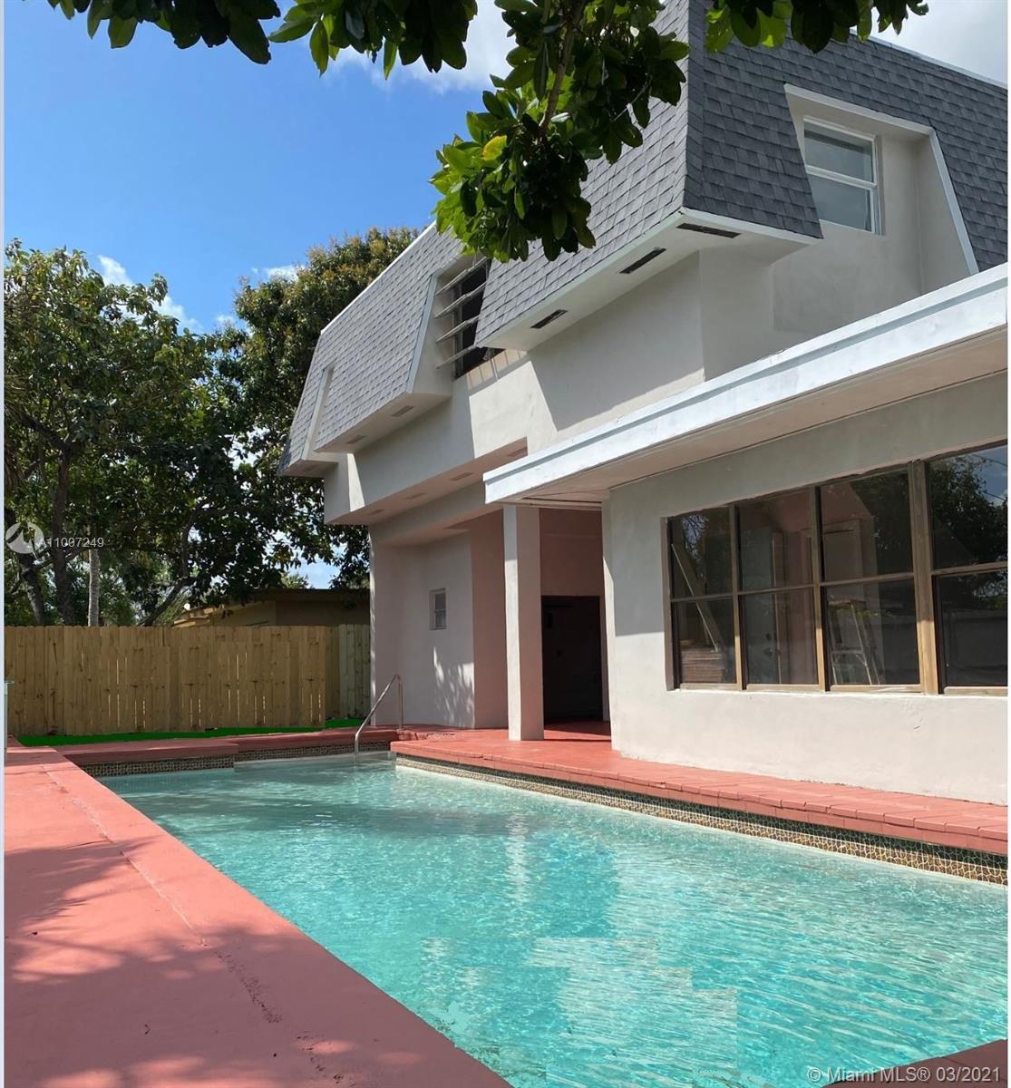 North Miami Beach - 16017 NE 8th Ave, North Miami Beach, FL 33162