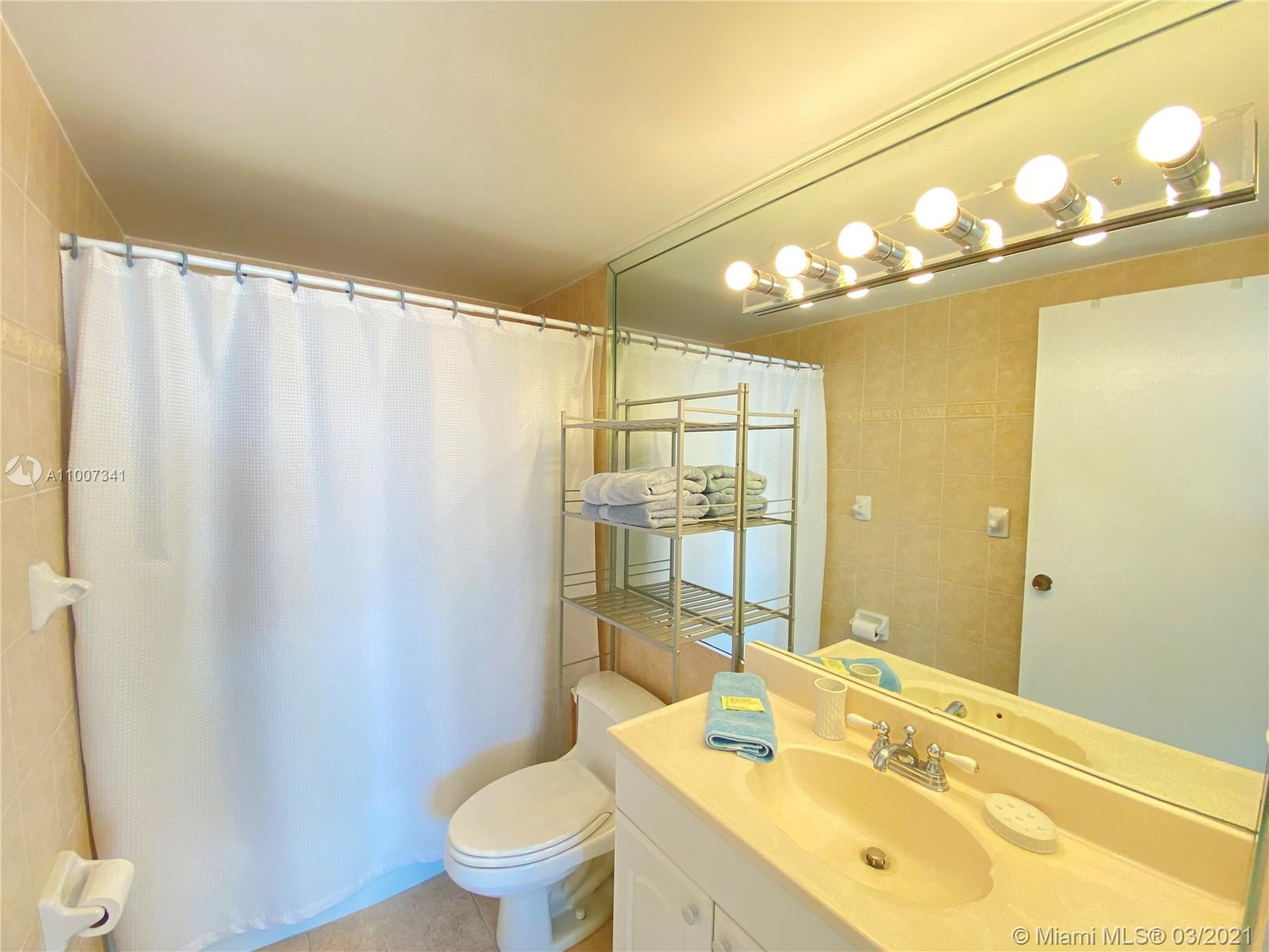 5601 Collins Ave #1219 photo020