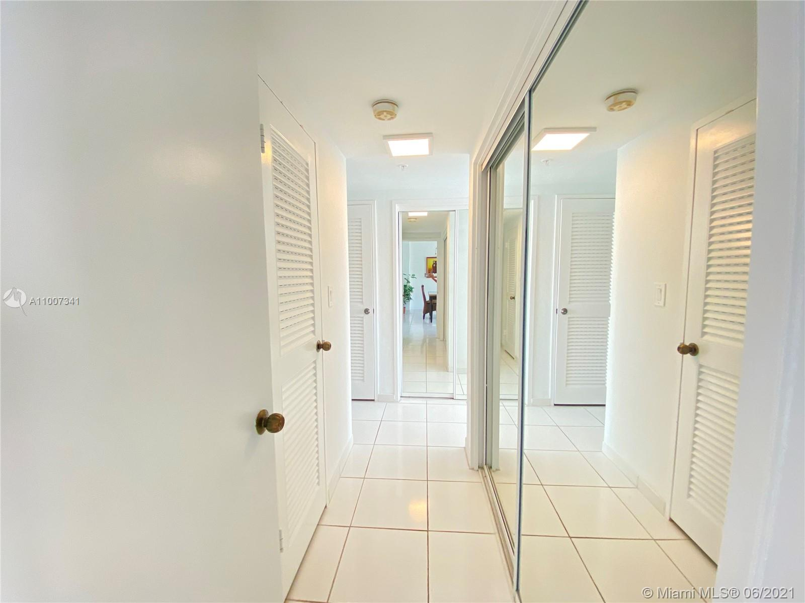 5601 Collins Ave #1219 photo021