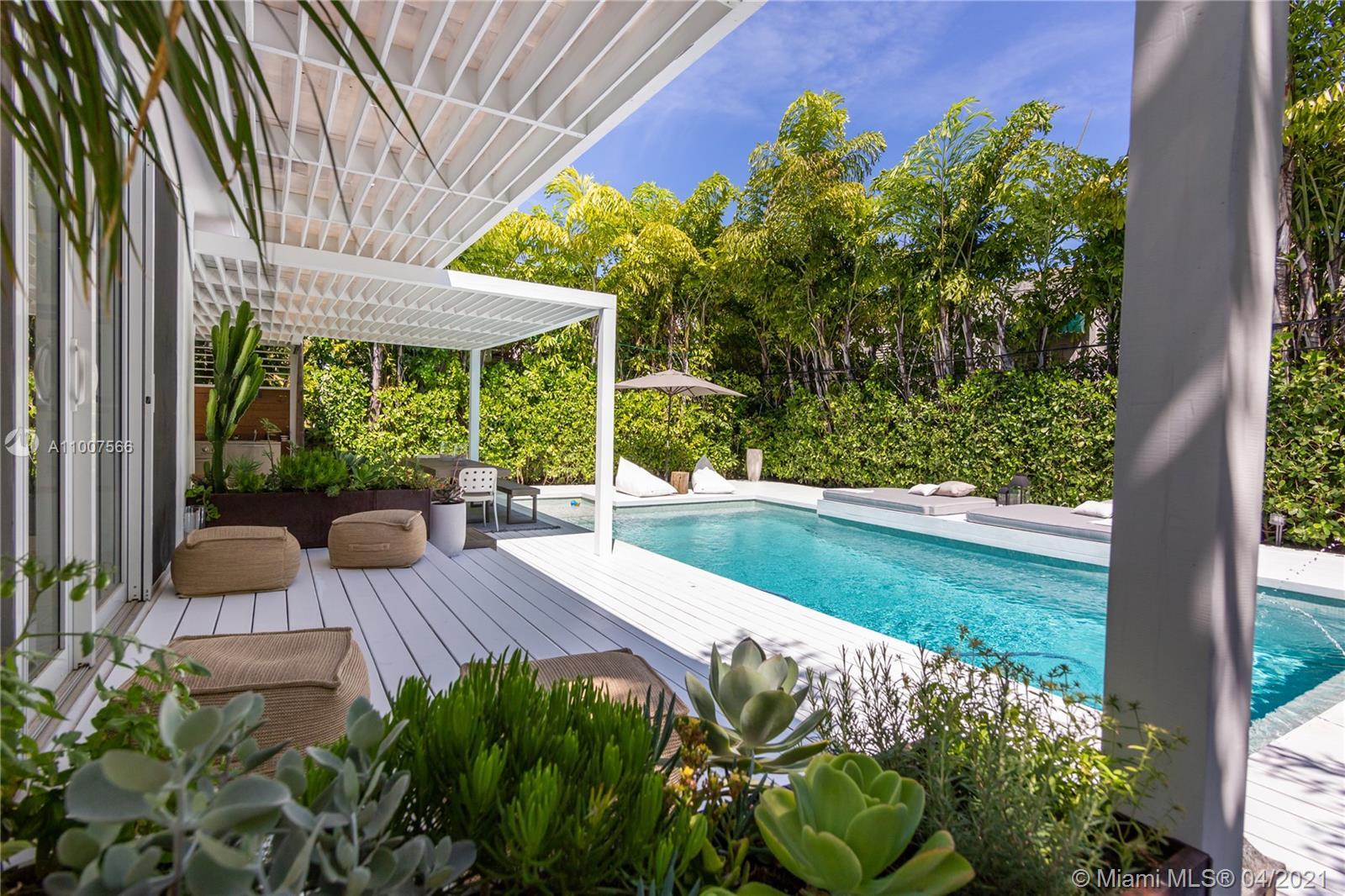 Sunset Lake - 3001 N Bay Rd, Miami Beach, FL 33140