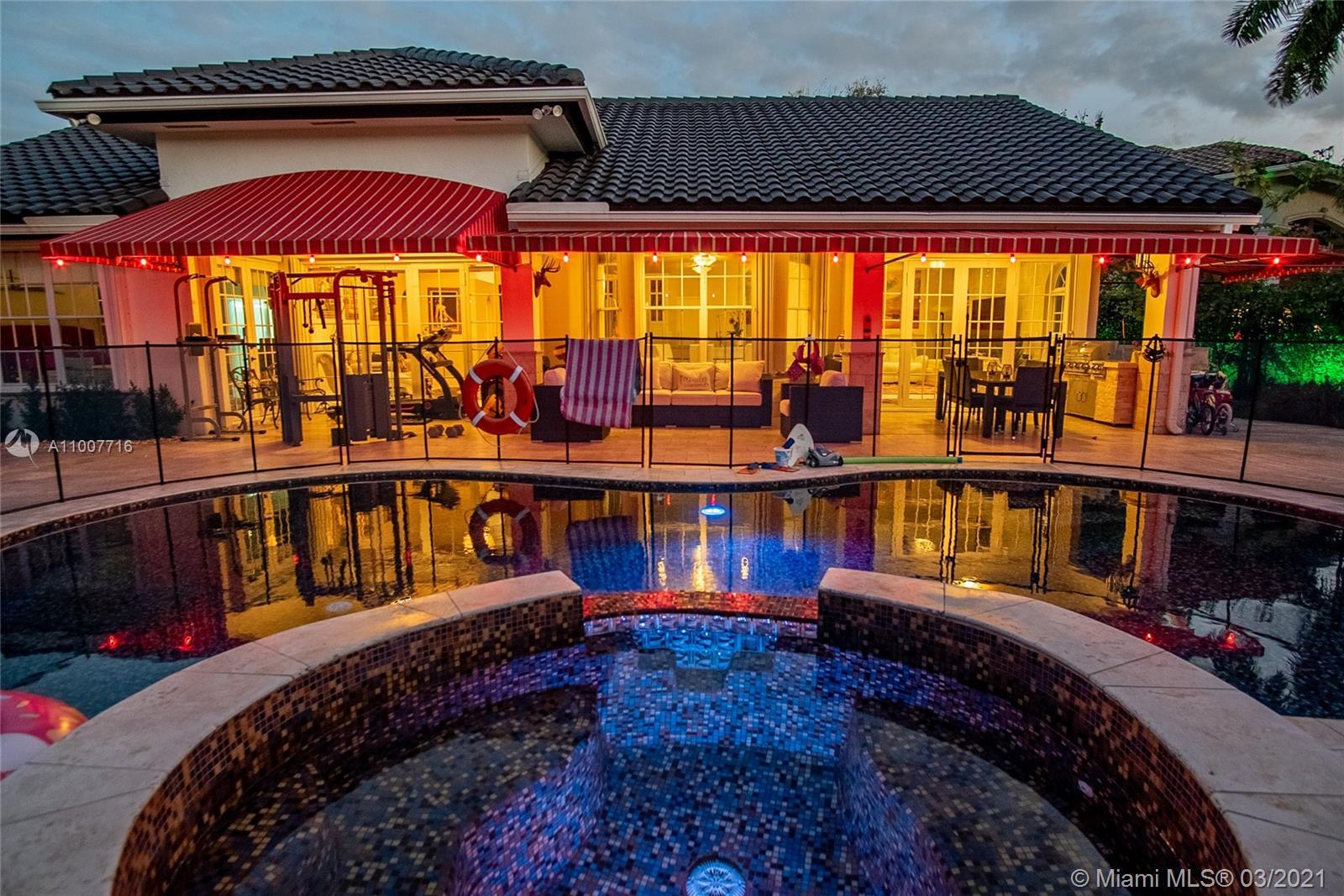 Miami Lakes - 8355 NW 161st Ter, Miami Lakes, FL 33016