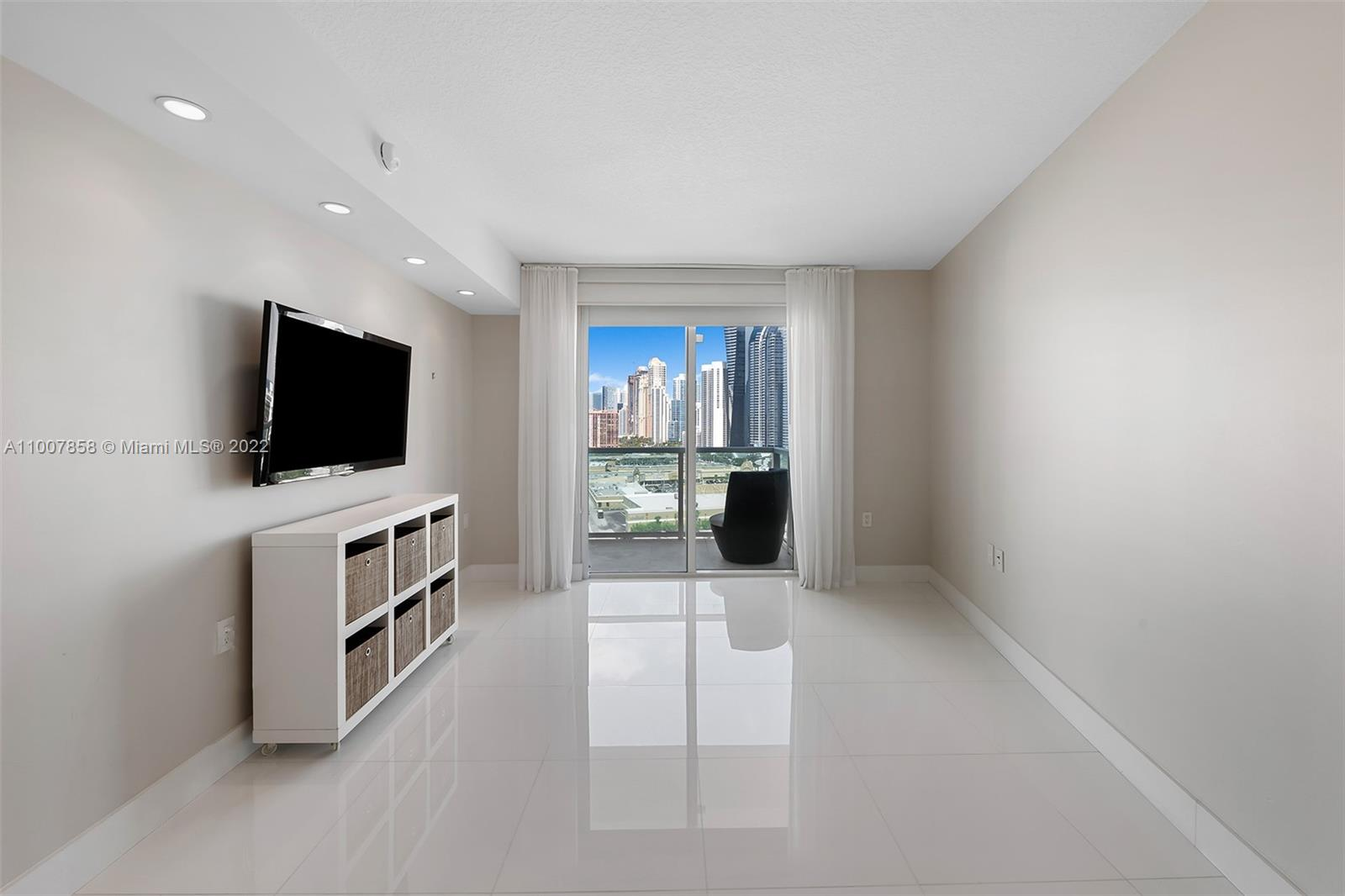 200 Sunny Isles Blvd #2-1502 photo020