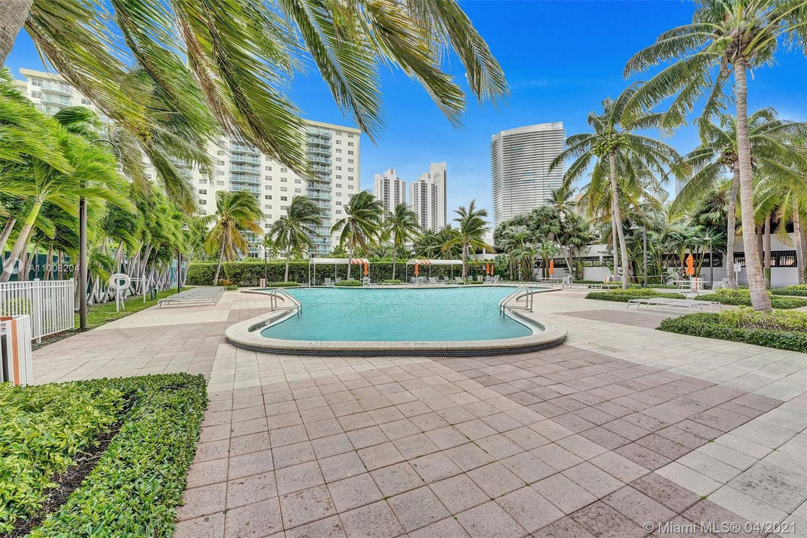 19380 Collins Ave #311 photo03