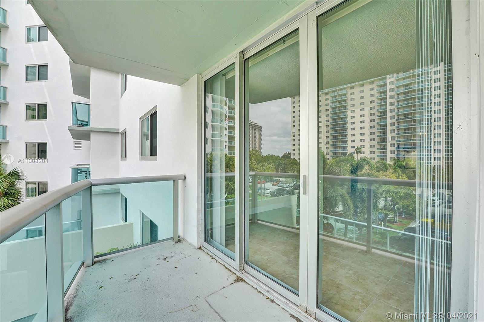 19380 Collins Ave #311 photo09