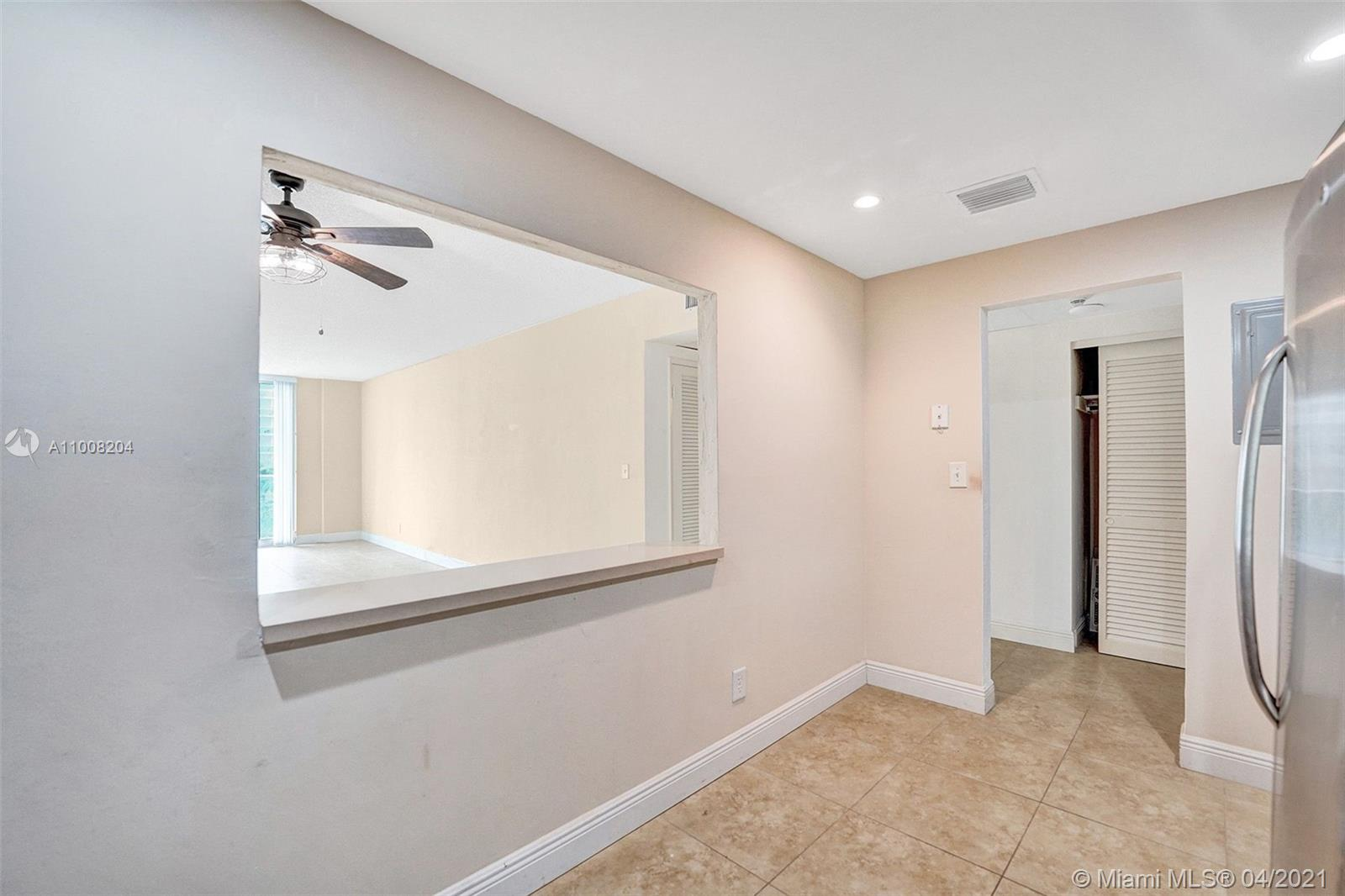 19380 Collins Ave #311 photo018