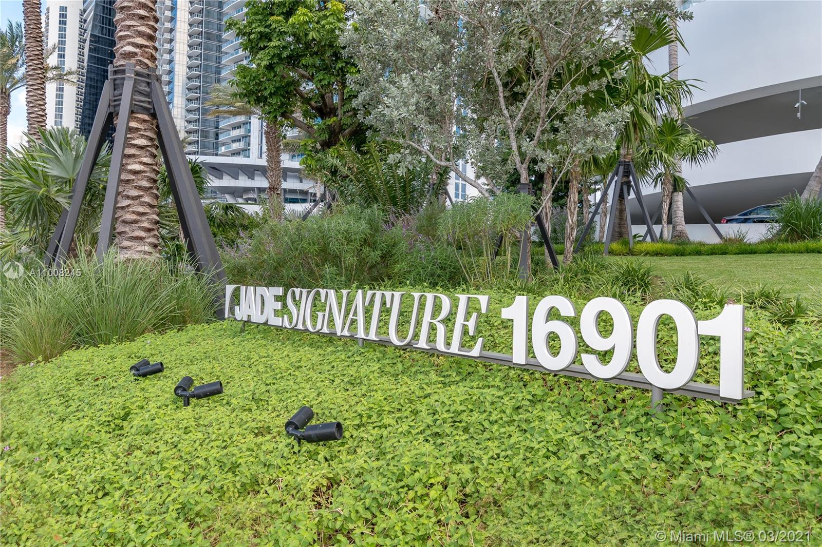 16901 Collins Ave #905 photo01