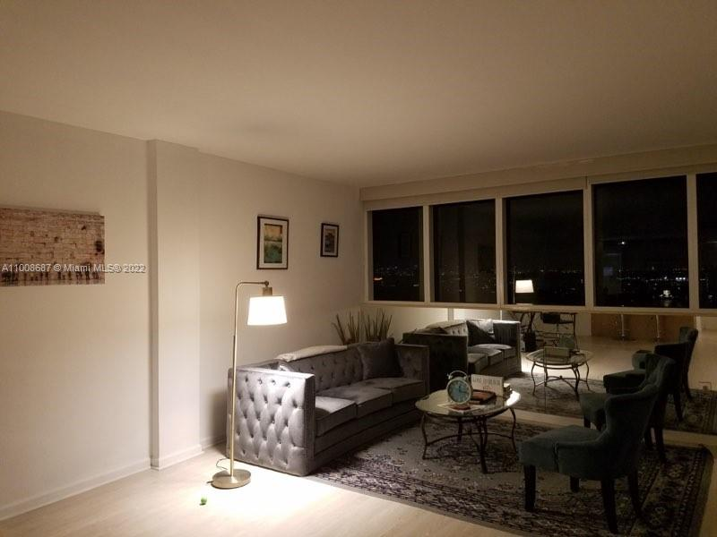 10275 Collins Ave #1528 photo04