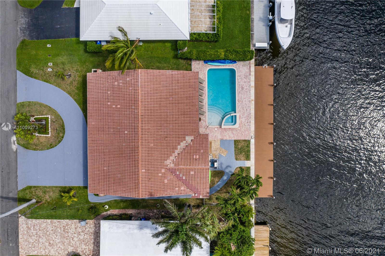 Property for sale at 2752 NE 3rd St, Pompano Beach,  Florida 33062