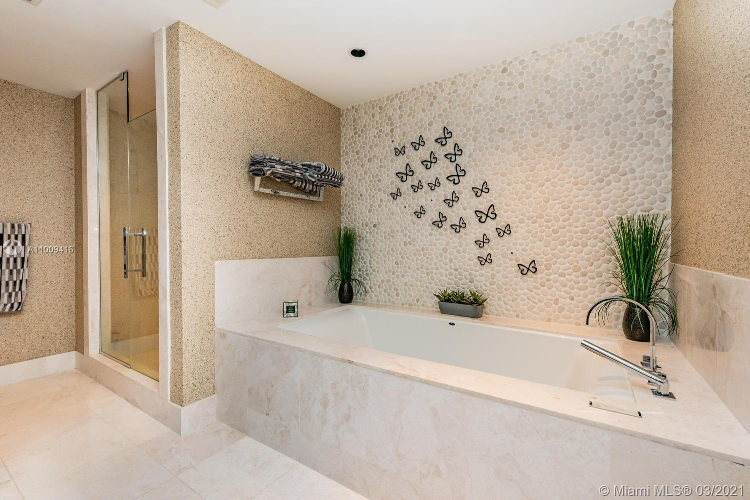 17121 Collins Ave #4301 photo056