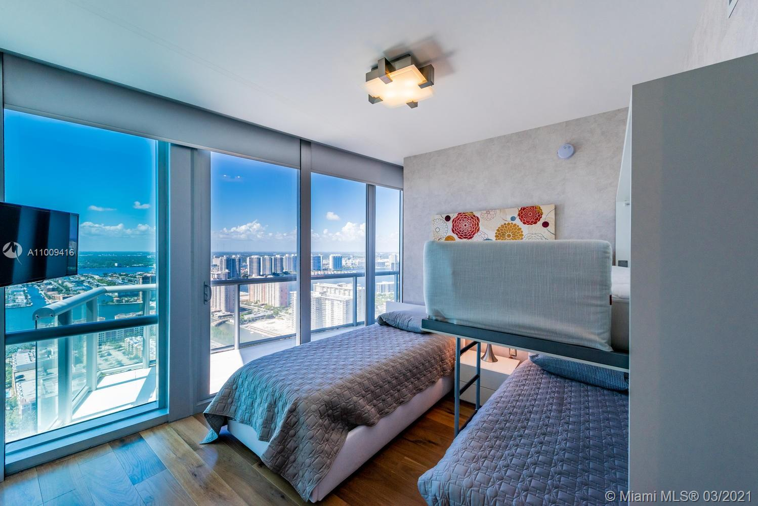 17121 Collins Ave #4301 photo042