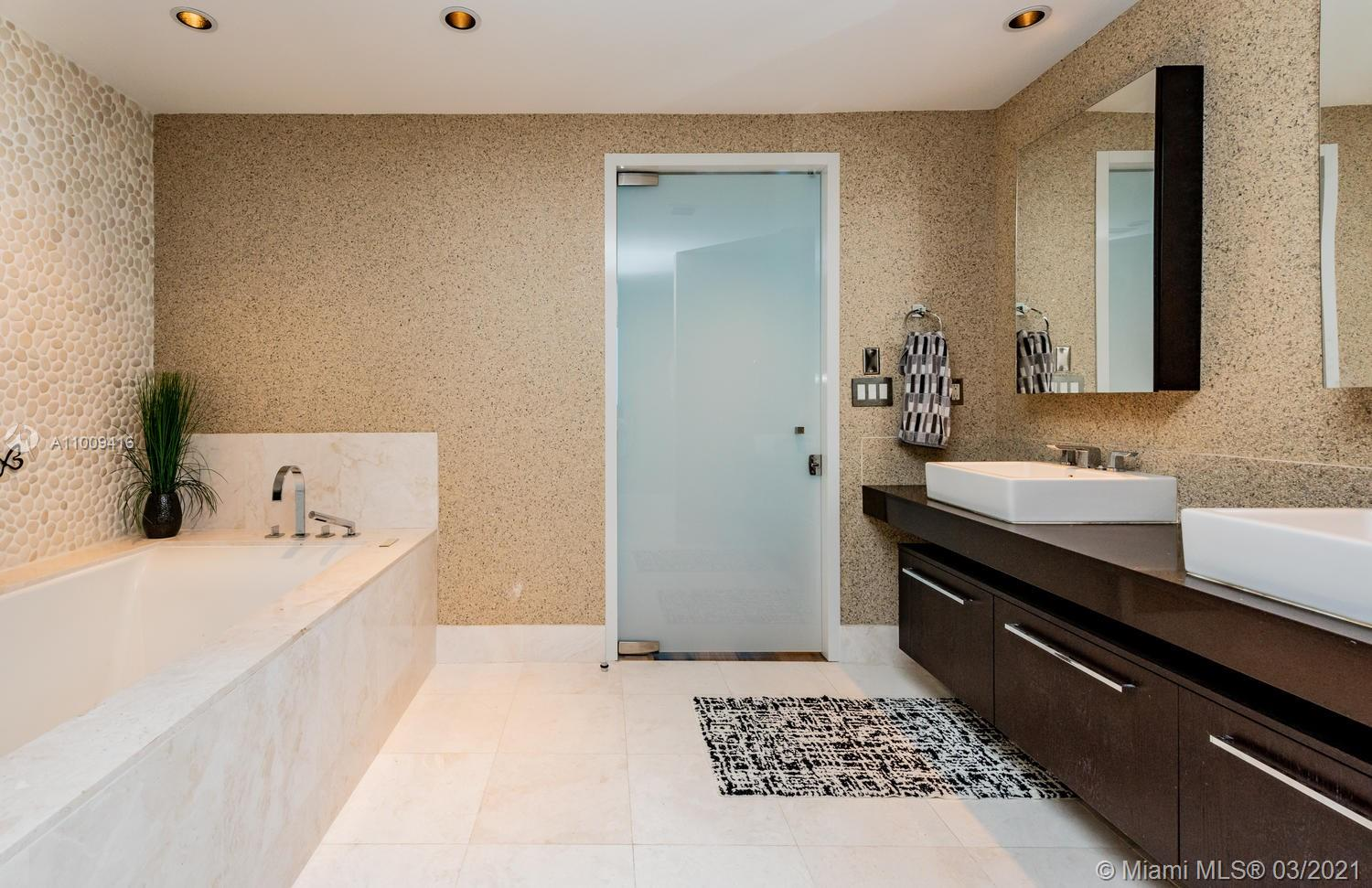 17121 Collins Ave #4301 photo057