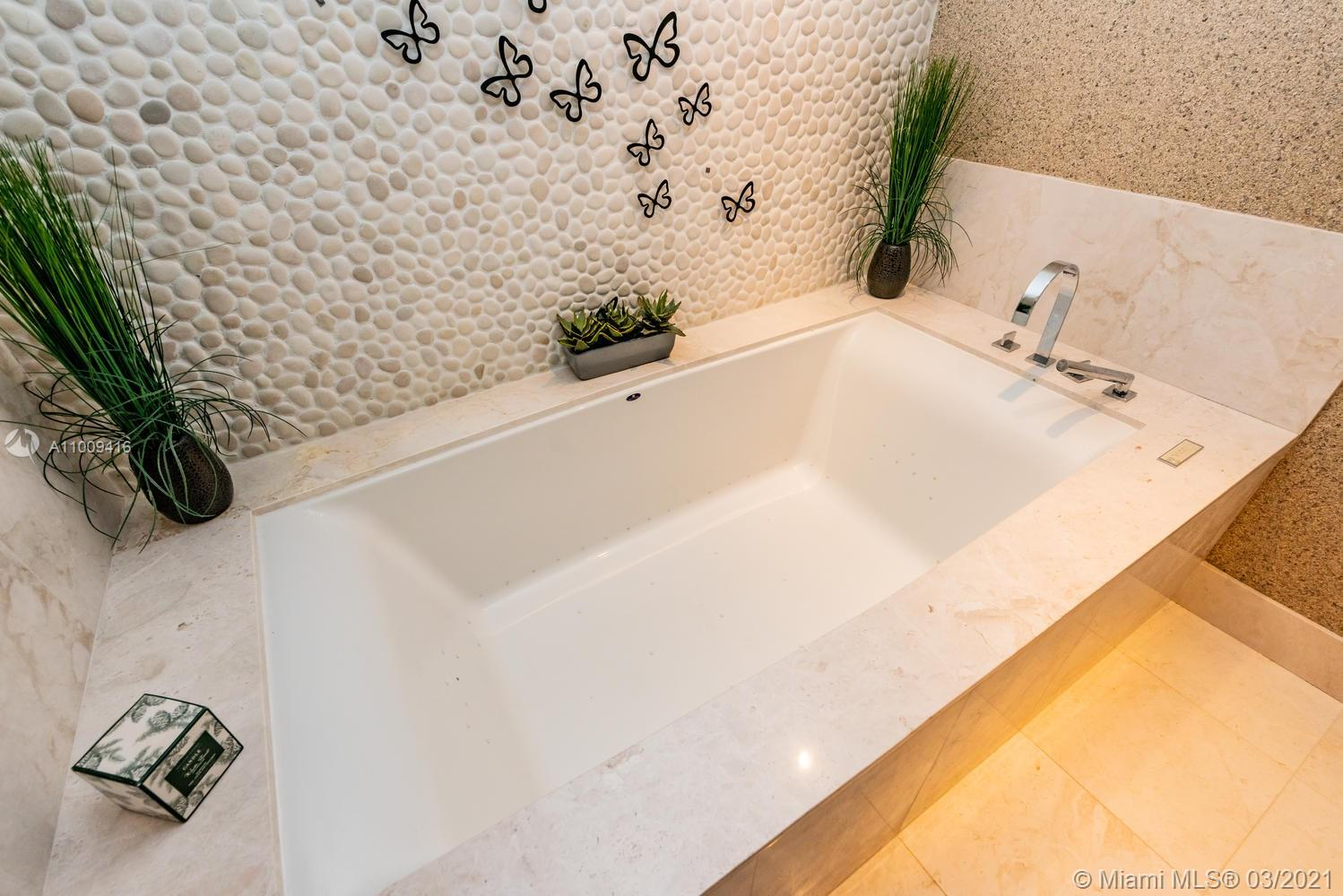 17121 Collins Ave #4301 photo058