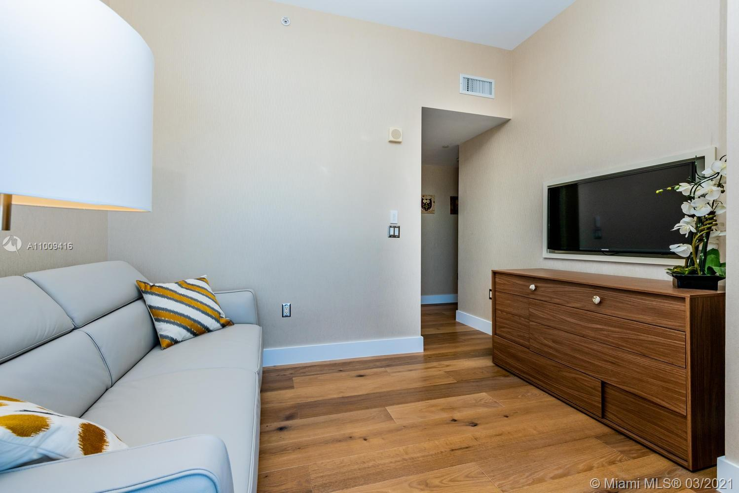 17121 Collins Ave #4301 photo048