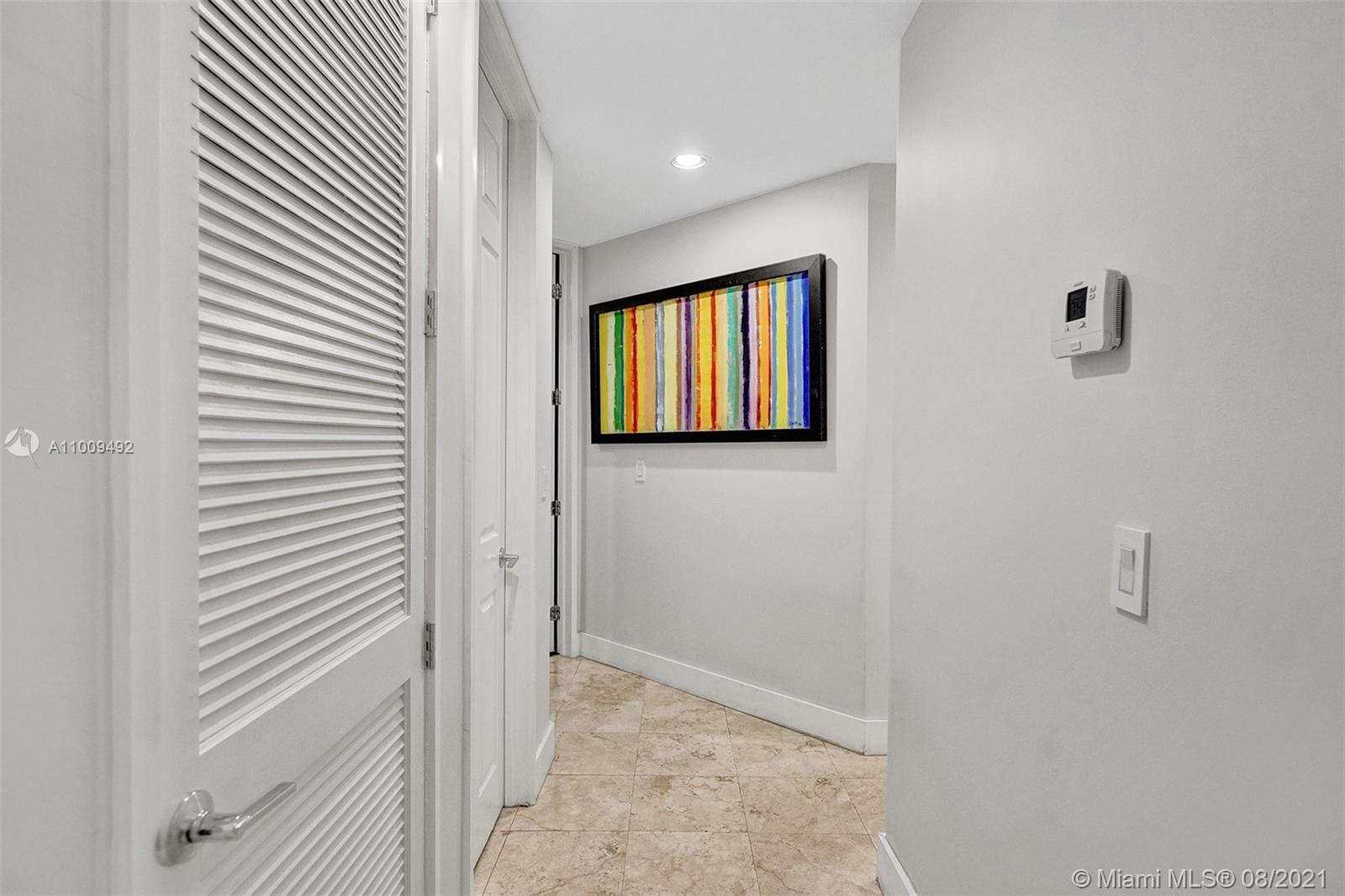 Hallway to Bedroom 5&6