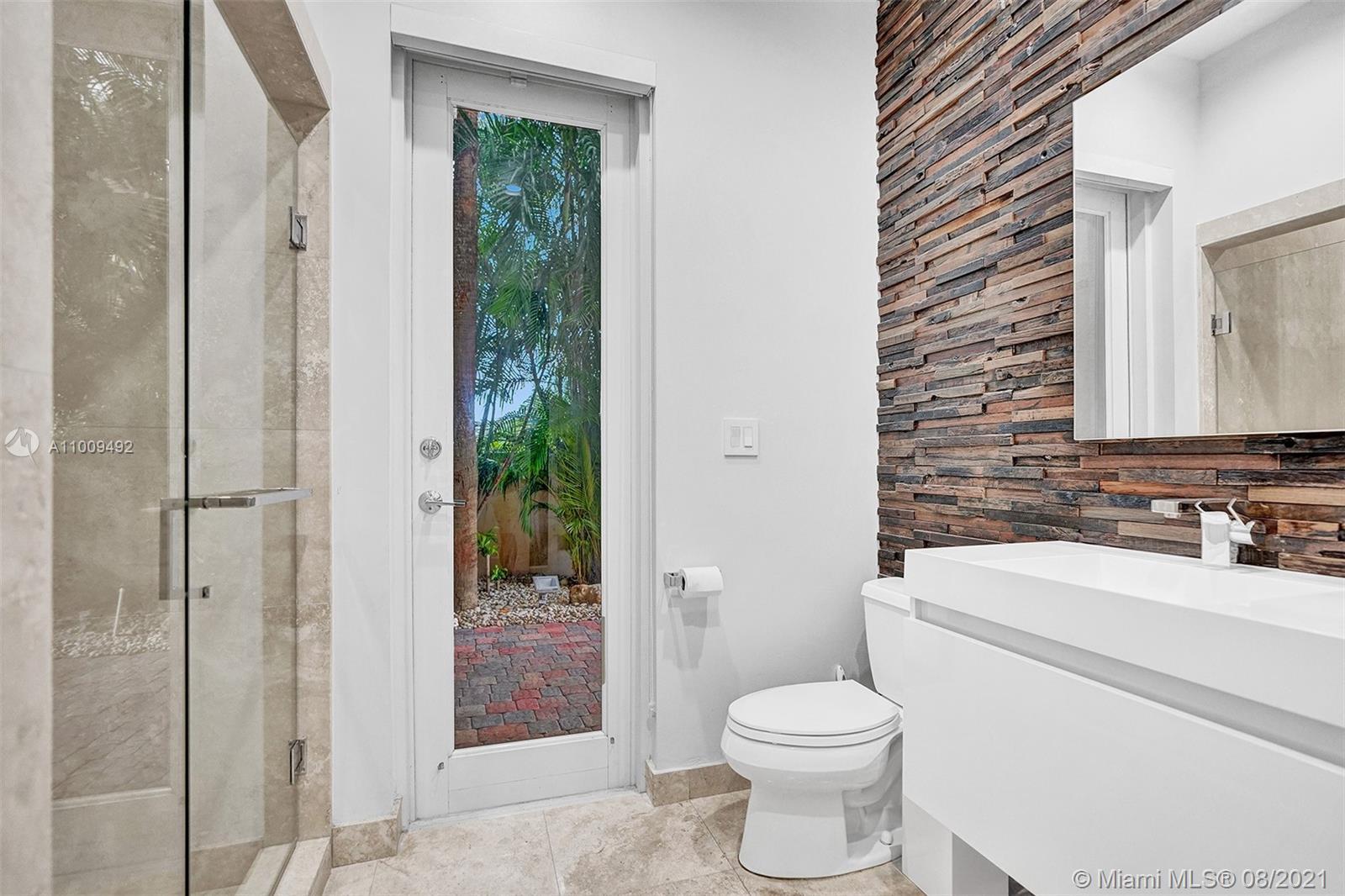 Bathroom 4- Cabana Bath