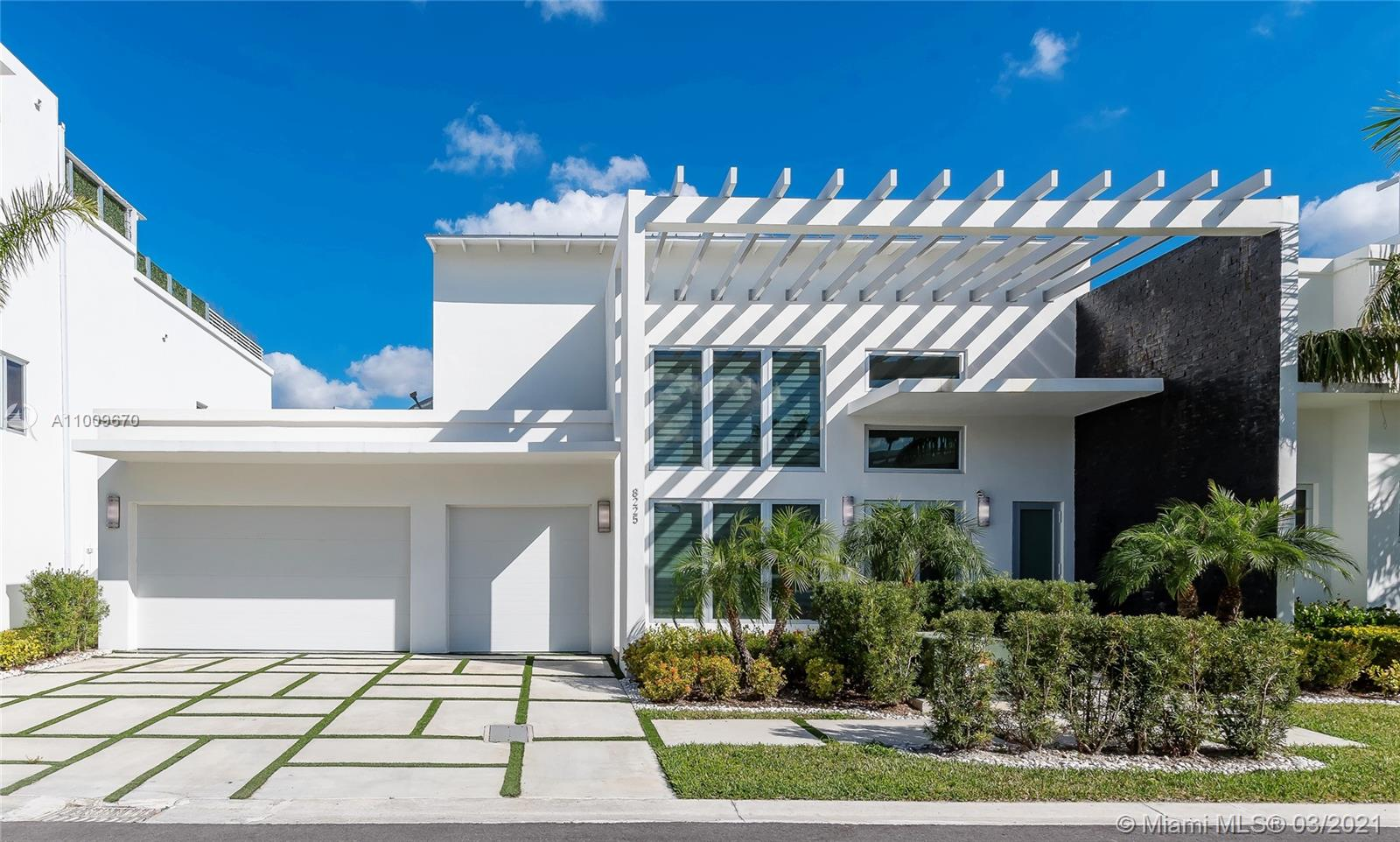 Oasis Park Square - 8225 NW 33rd Ter, Miami, FL 33122