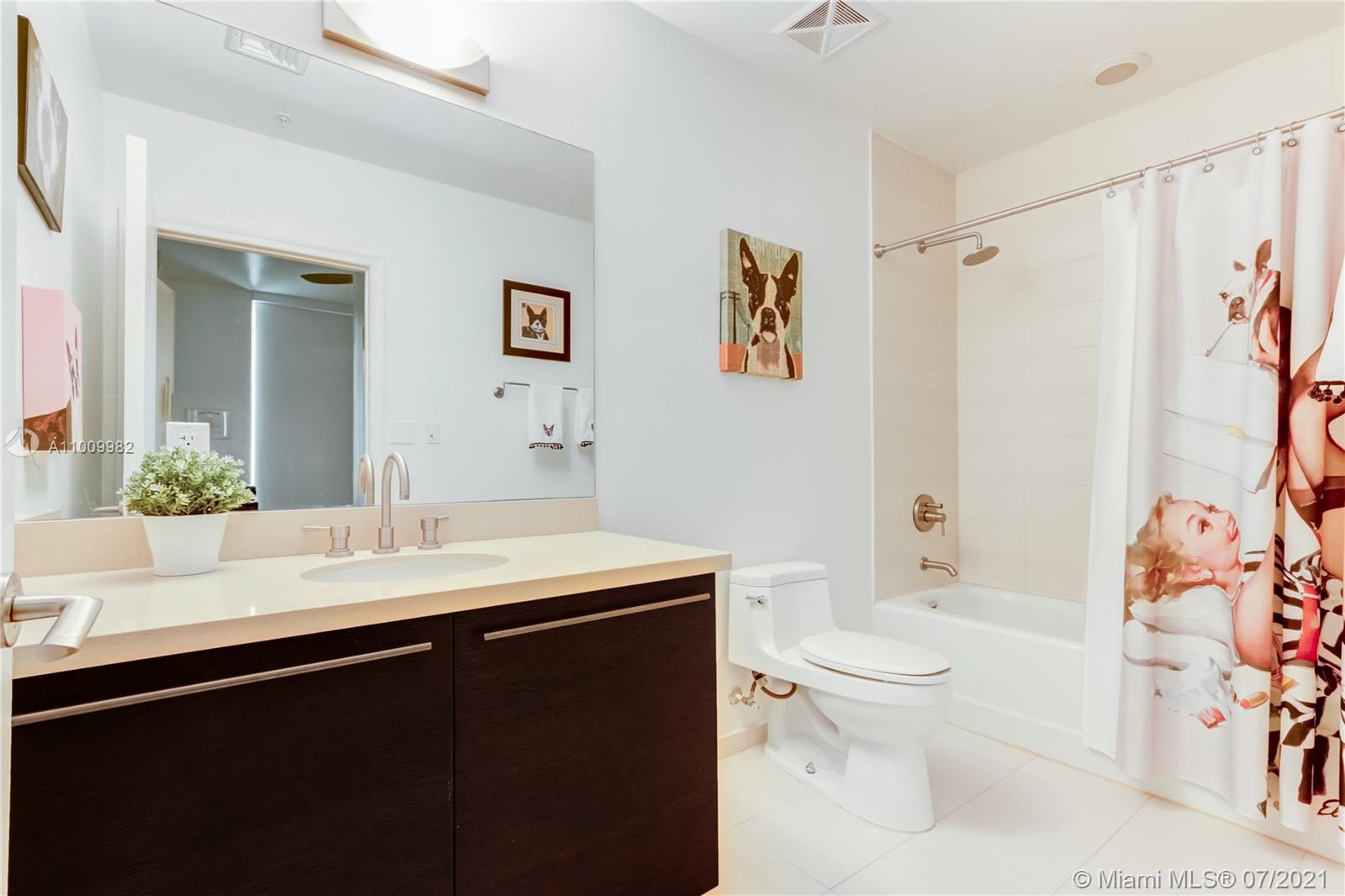 7928 East Dr #302 photo020