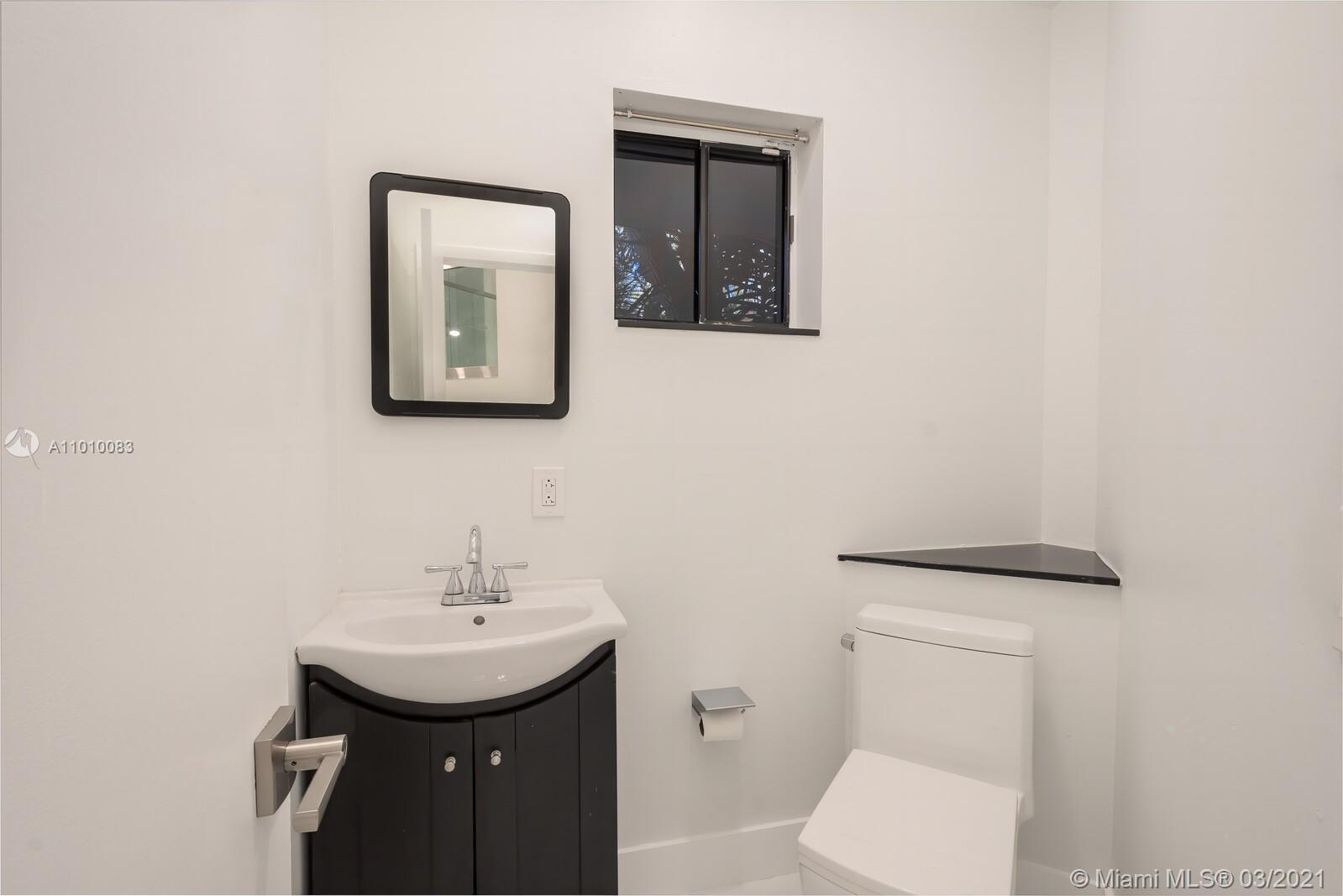 2575 Tigertail Ave -RENOVATED photo011