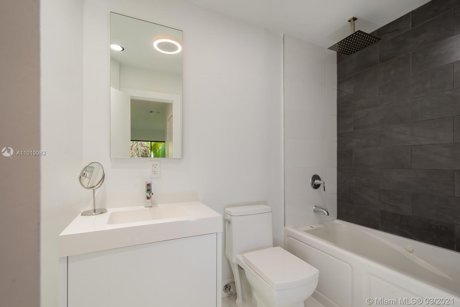 2575 Tigertail Ave -RENOVATED photo08