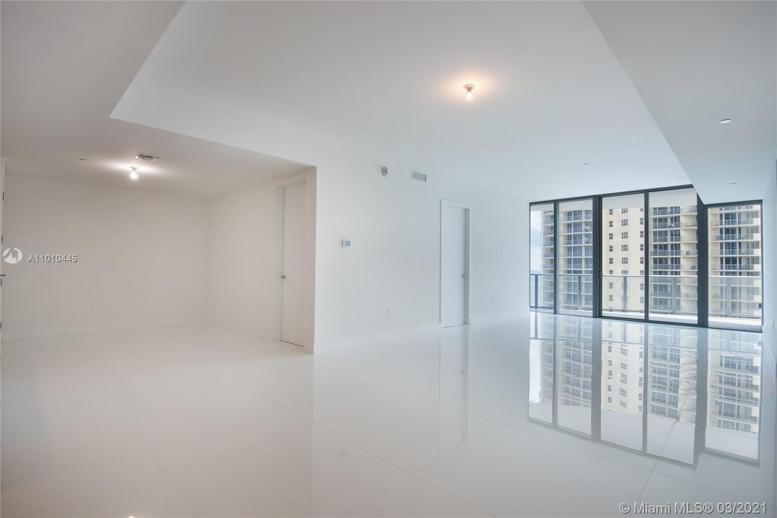 17475 Collins Ave #903 photo05