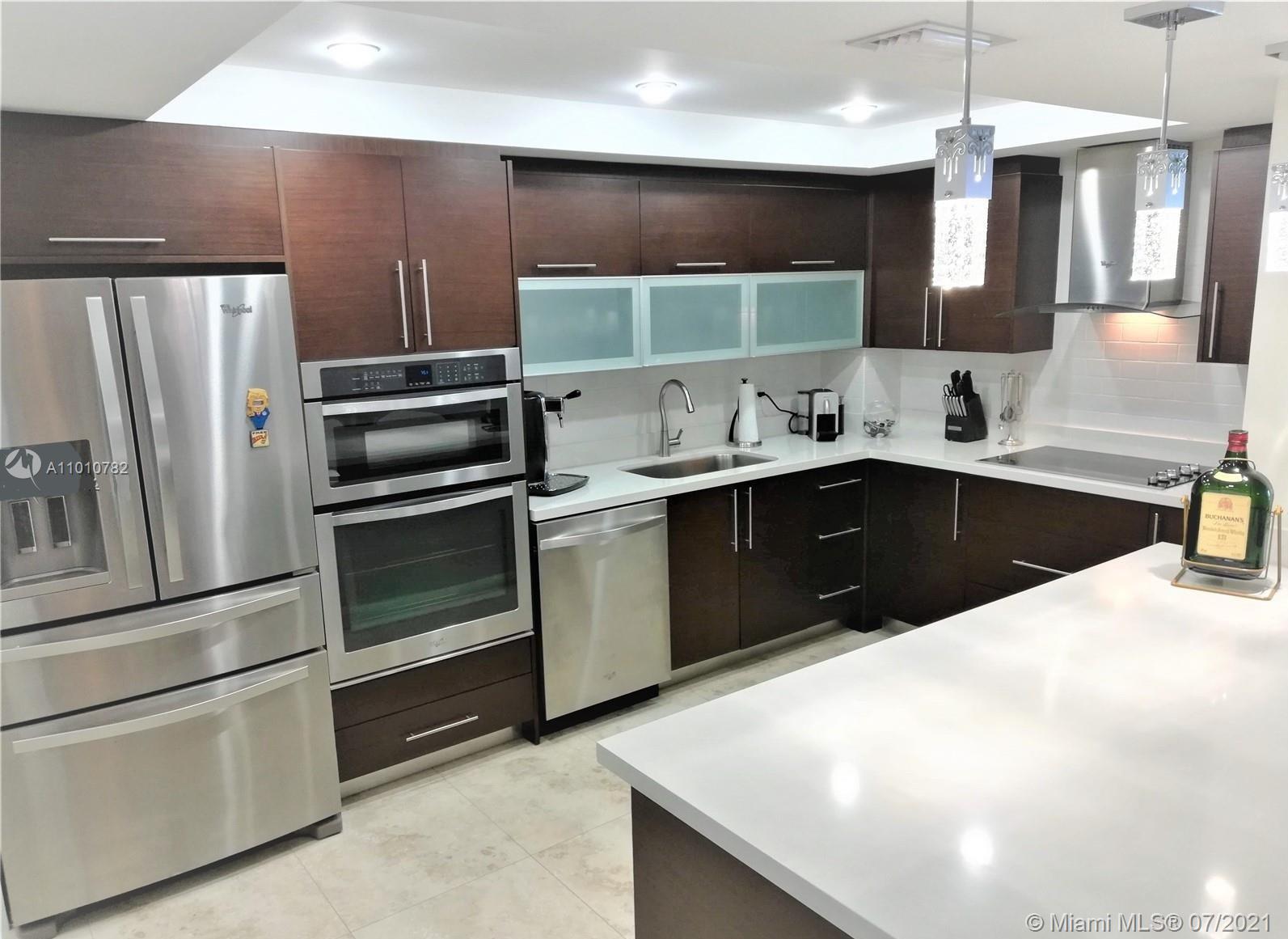 Corinthian #7J - 5825 Collins Ave #7J, Miami Beach, FL 33140