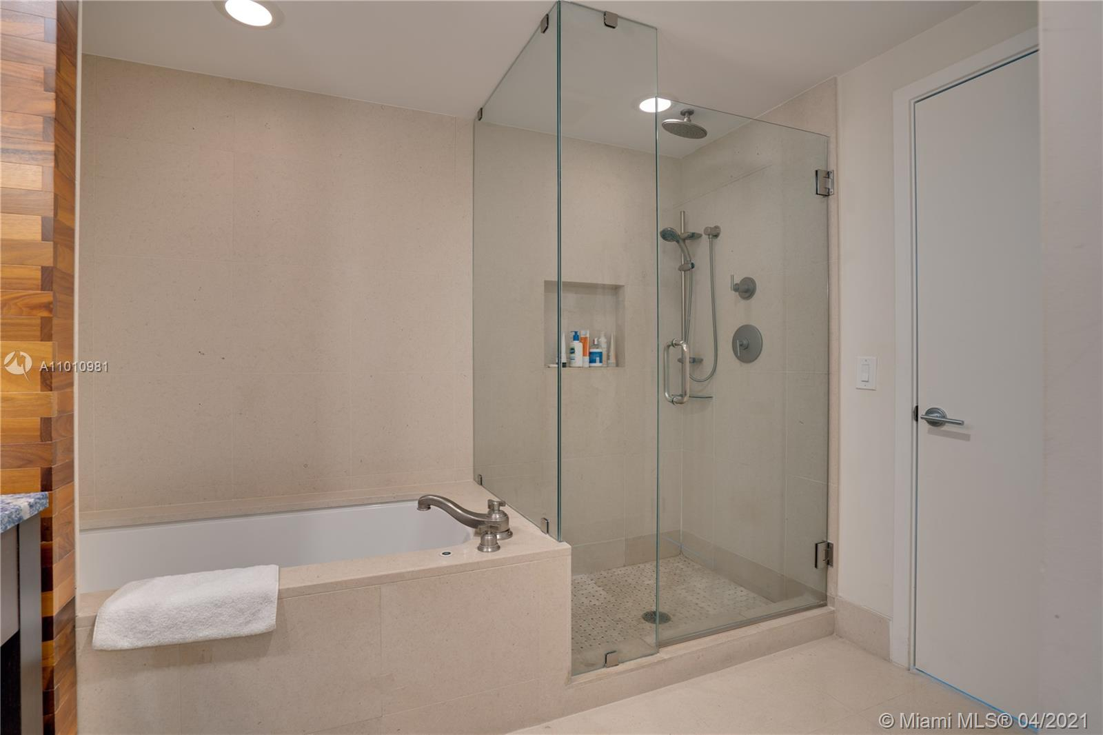 6899 Collins Ave #1210 photo022