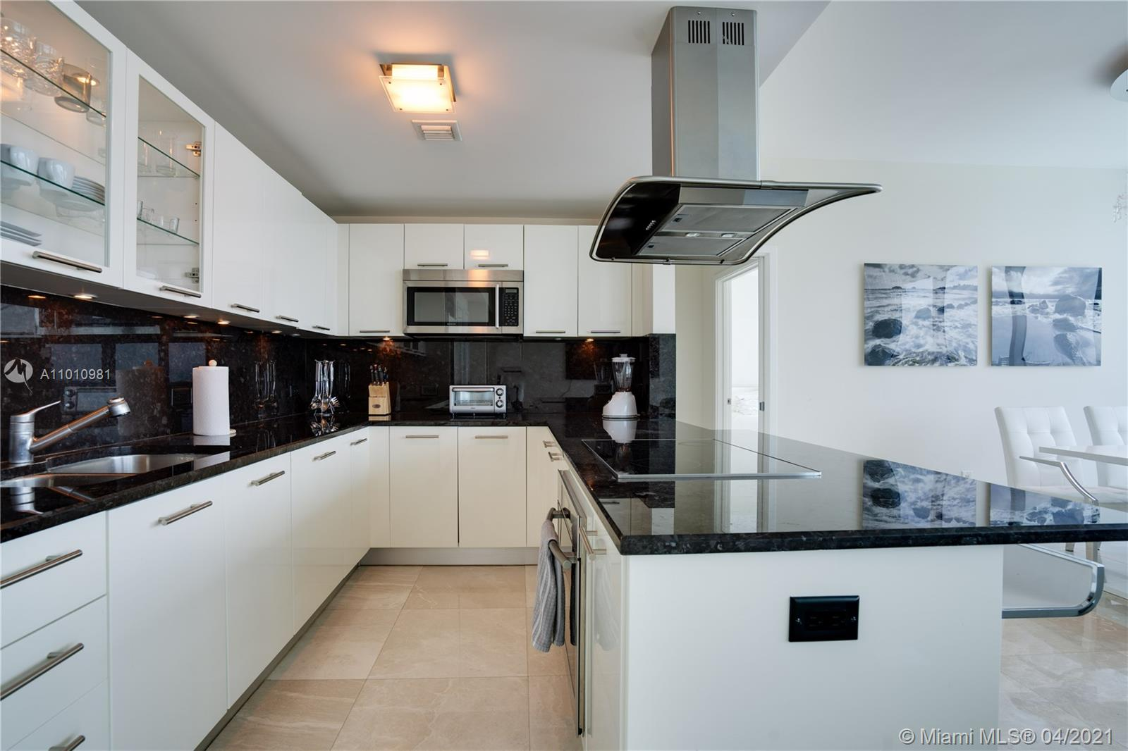 6899 Collins Ave #1210 photo03