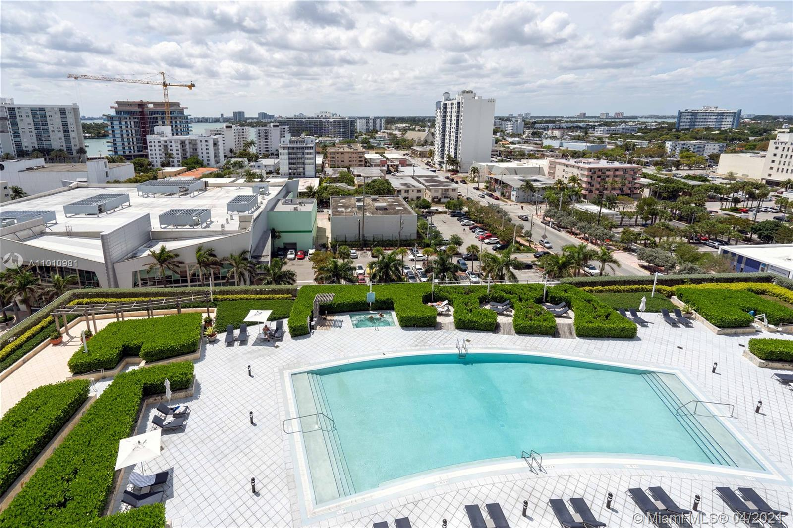 6899 Collins Ave #1210 photo01
